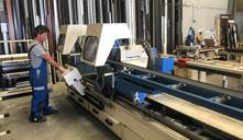 Aluminios Tecnoal proceso de corte de perfiles