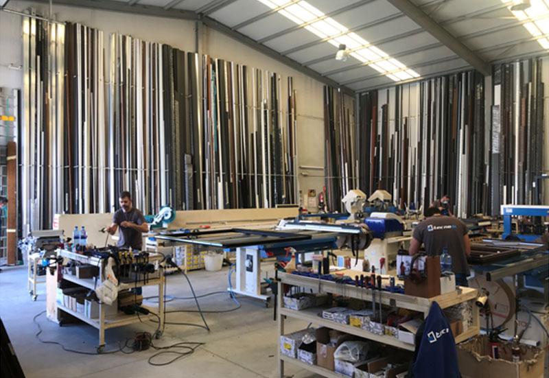 Aluminios Tecnoal vista interior del taller
