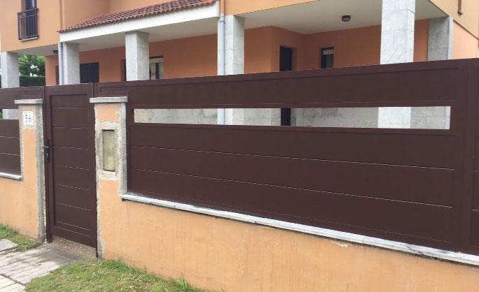 Aluminios Tecnoal - Cerramiento exterior en vivienda con acabado granate