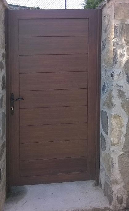 Aluminios Tecnoal - puerta cancela imitación madera